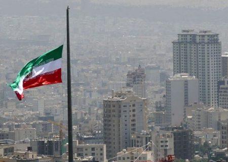 سرعت تند باد در تهران به ۵۰ کیلومتر رسید